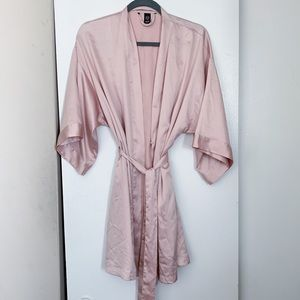 Victoria's Secret M/L Blush Satin Robe